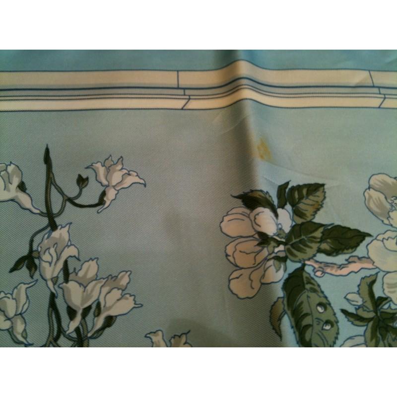 carr herm s quai aux fleurs en soie. Black Bedroom Furniture Sets. Home Design Ideas