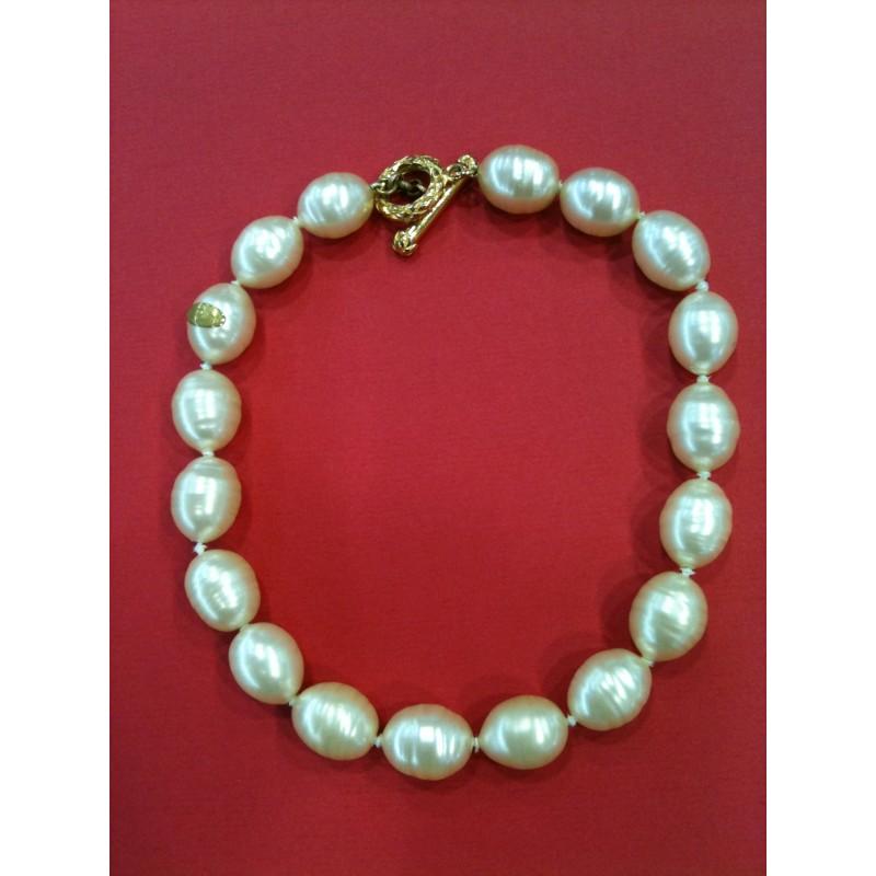 fd7a37369b2 Collier perles Chanel Vintage. - Très bon état -