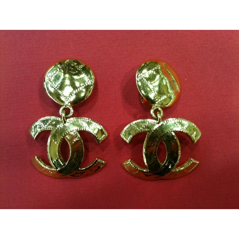 73f468c6e68 Boucles d oreilles clips Chanel vintage