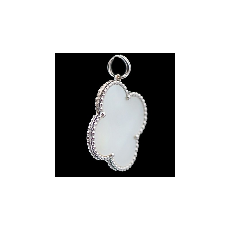 e602db98d3d Pendentif Van Cleef   Arpels Alhambra Vintage en or et nacre