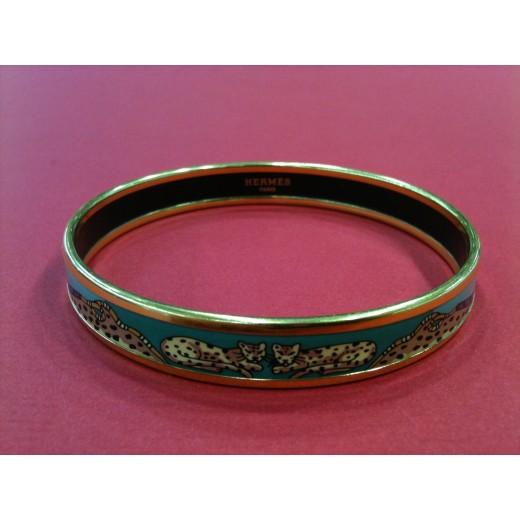 2fd0b9213b84 Bracelet Hermès fin en émail léopards