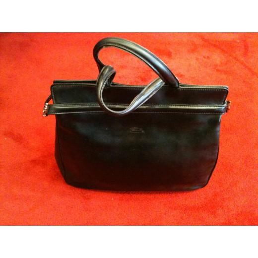 énorme réduction 29886 d1609 Sac Longchamp en cuir noir porté main