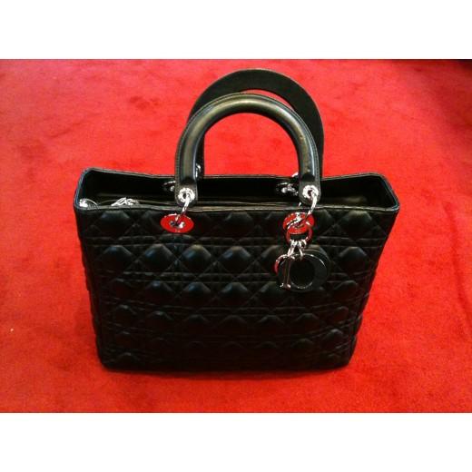Sac Dior Lady Dior en cuir matelassé noir 1ef7ffb080f