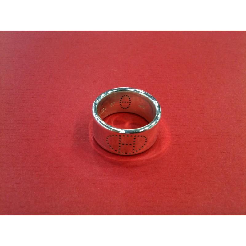 3ff99376b3 Bague Hermès Eclipse Ruban en argent. Vendu