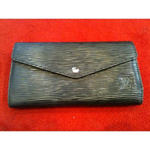 Portefeuille Louis Vuitton Sarah en cuir épi noir 49a7b220598