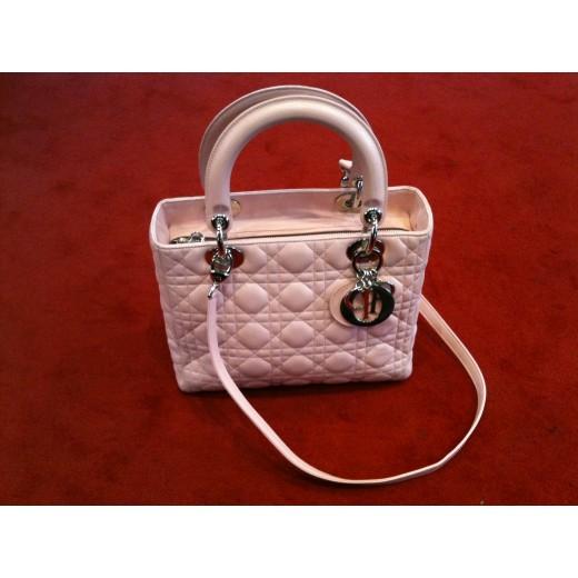 e41ae62b1b2 Sac Dior Lady Dior en agneau rose