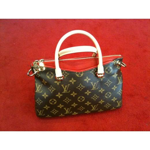 Sac Louis Vuitton Pallas PM en toile monogram et cuir cerise f3257b22cec9