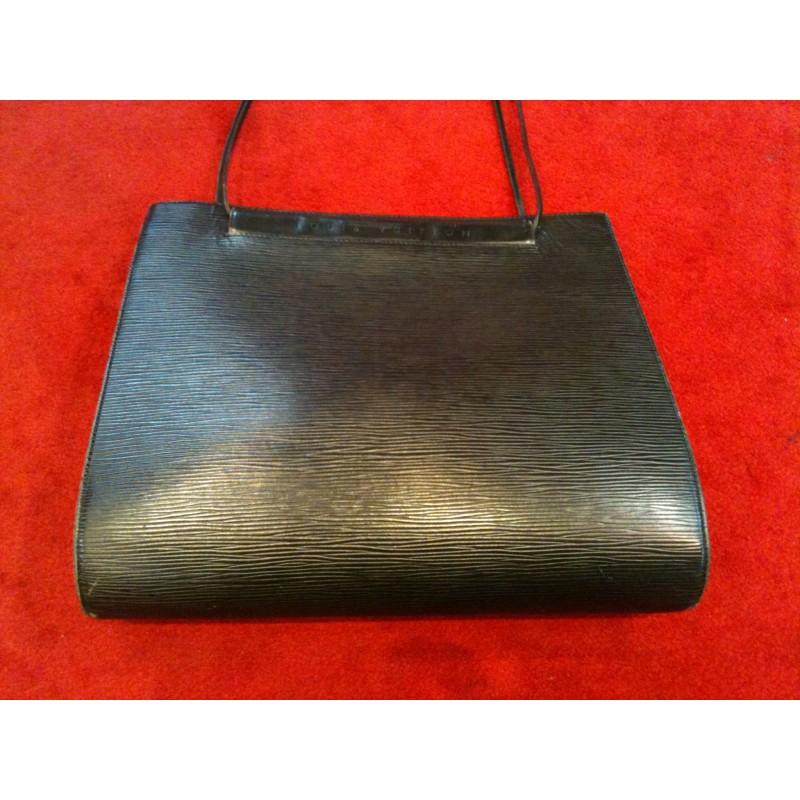 Sac Louis Vuitton Saint Tropez en cuir épi noir. - Bon état général - ee030b1b316