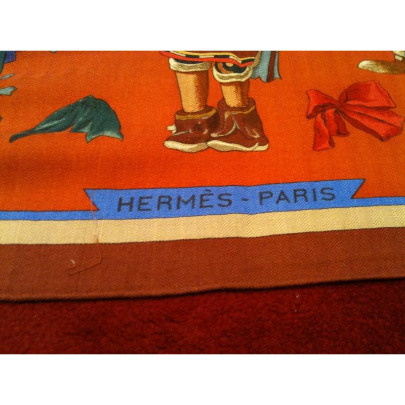 e9a7b13ce71 Châle Hermès Kachinas en cachemire et soie