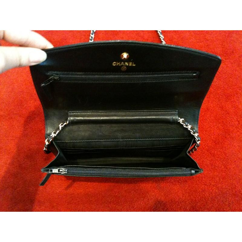 Pochette Chanel Classique avec chaîne. Vendu 9aafca37857