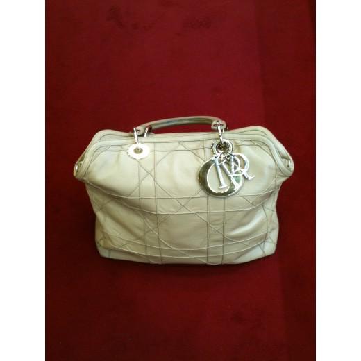 702f3de411a Sac Christian Dior Granville en cuir beige