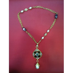 Sautoir Chanel Vintage en métal doré 962ef2425cf