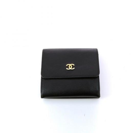 Petit portefeuille Chanel en cuir noir