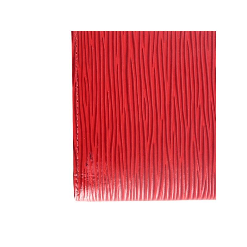 Couverture Agenda Louis Vuitton en cuir épi rouge. - Très bon état - b09e00465da
