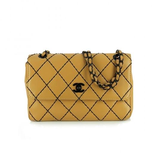 Sac Chanel classique à rabat en cuir camel 2995163ef33