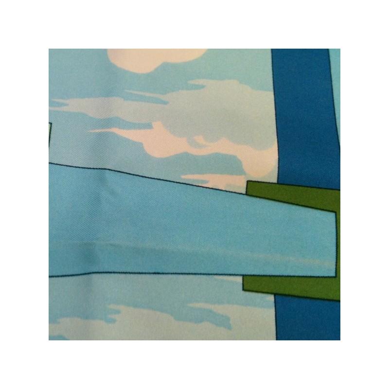 d9f5318cf710 Carré Hermès Perspective en soie. Vendu