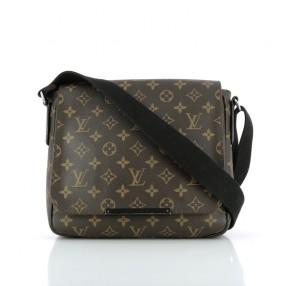 4526d4e14835 Sac Louis Vuitton District PM en toile monogram