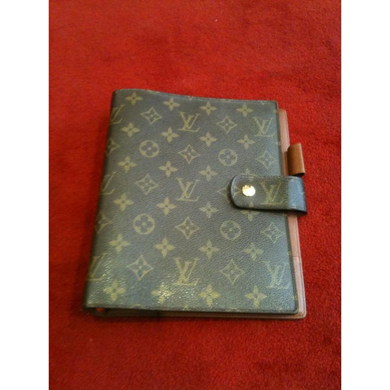 Couverture agenda Louis Vuitton GM. Vendu 0e3a4a7233d