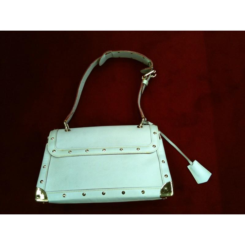 6c38f6b591e9 Sac Louis Vuitton Le Talentueux cuir suhali écru